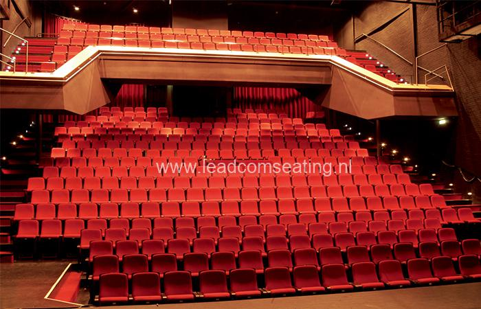 leadcom seating auditorium seating installation Theater de Voorveghter 1